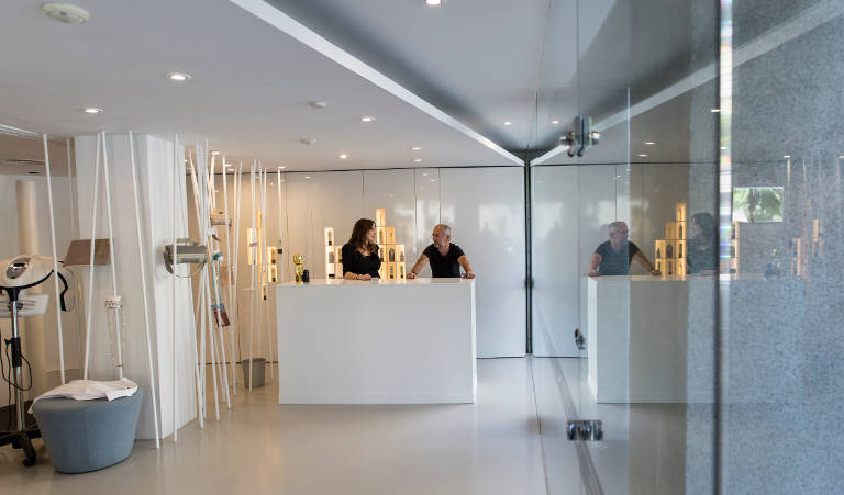 Philippe Venoux's elegant hairdressing salon is located on Bori I Fontesa street, in the heart of uptown Barcelona